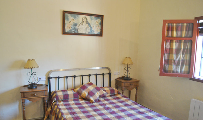 casa pequeña dormitorio 1 (2)
