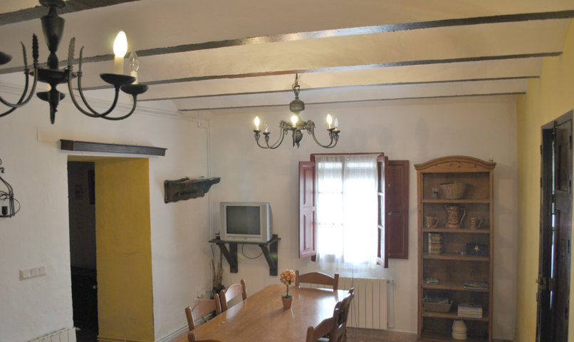 casa pequeña salón  2